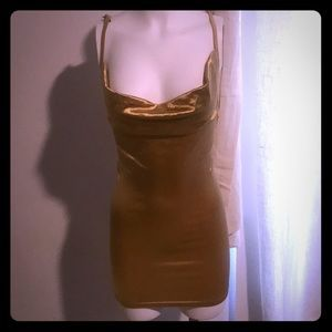 Dresses & Skirts - Gold silky dress